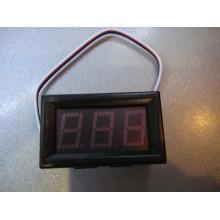 Вольтметр цифровой DC 0-100V с LED-индикатором 0.56 дюйма синий, корпус черный