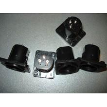 Штекер CANON (XLR) 3pin, монтажный, корпус пластик (1 шт.)