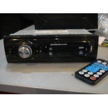 Автомагнитола 8222 USB флешки + SD карты памяти + AUX + FM+BT (4x50W)
