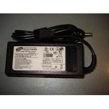 Блок питания Samsung 19V 3.16A 90W 5.5x3.0 с иглой+ кабель